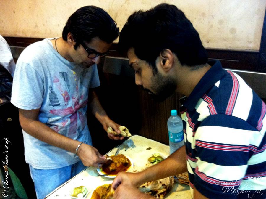 Hungry Patrons @ Rajinder da dhaba