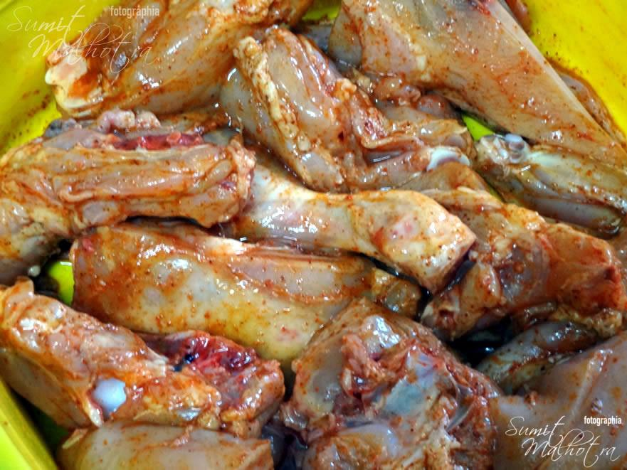 Marinate the chicken with lemon, kashmiri red chilli & salt