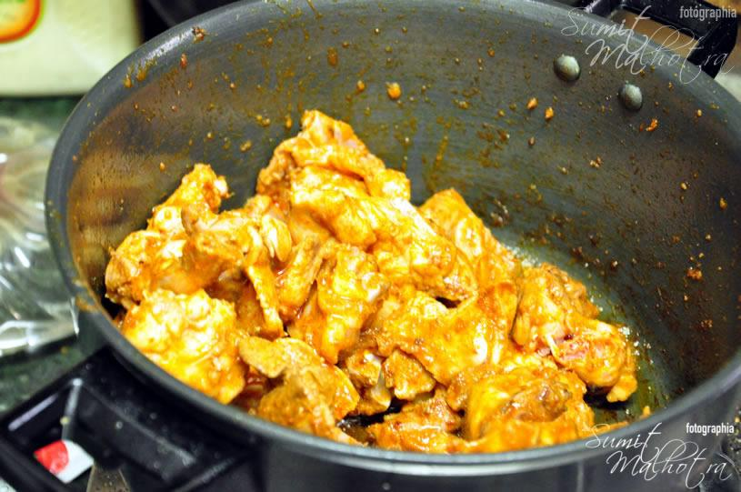 Mix the bhuno'd chicken with fried onion paste