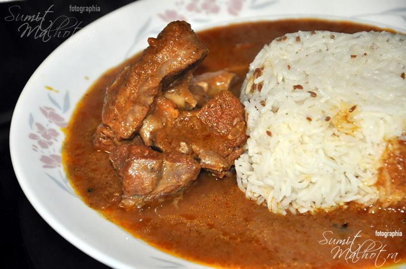 Dahi Tamater ka Gosht with Rice