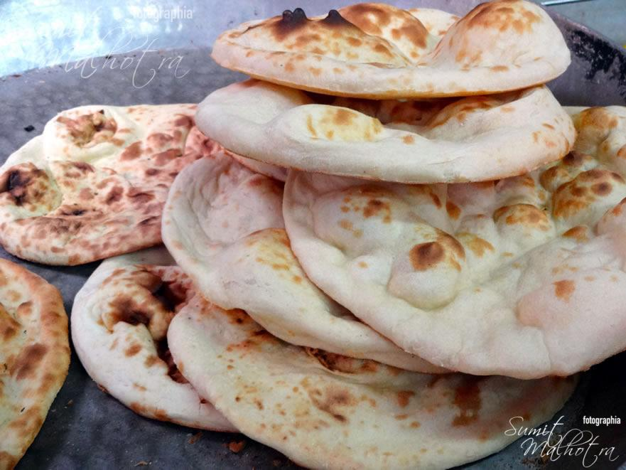 Fresh Khamiri Rotis out of tandoor