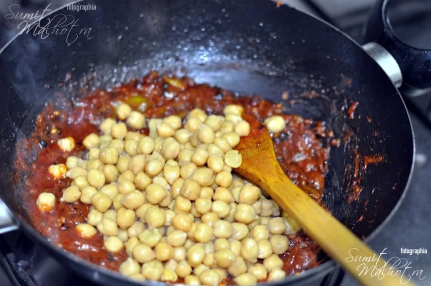 Add boiled chole/ kabuli chana/ chickpeas