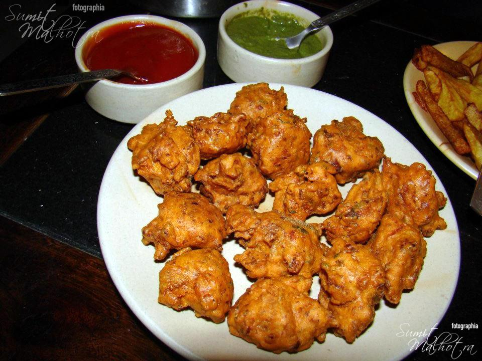 Pakoris with Chutney
