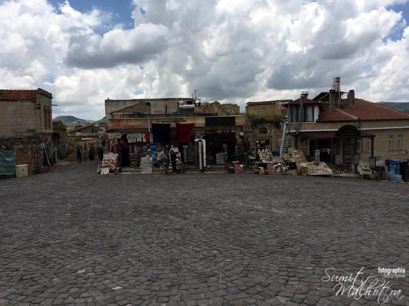 Uchisar Castle Shopping, Cappadocia