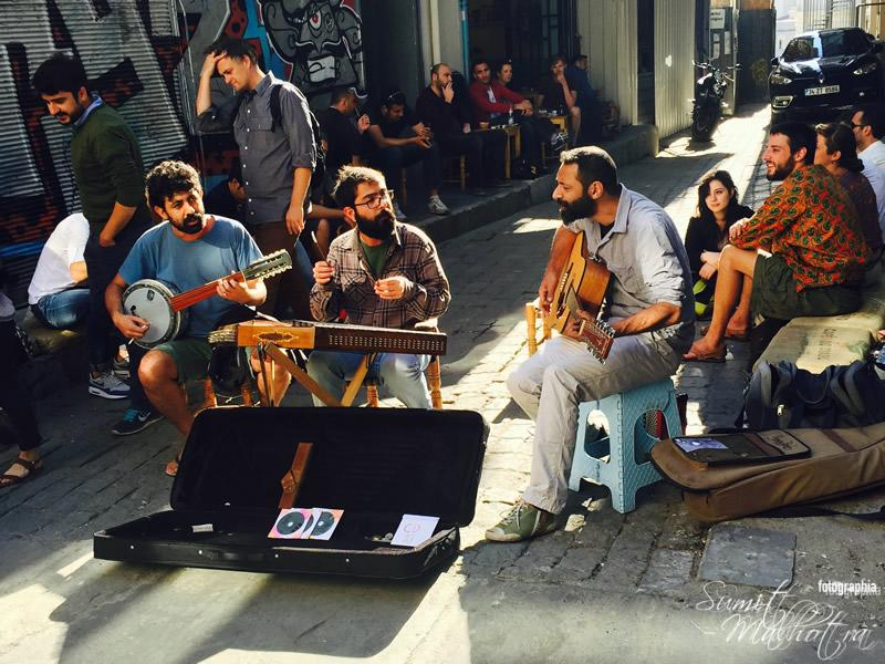 Street Side Musicians