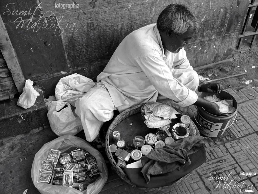 Another Portable Paan Store - Near Matia Mahal