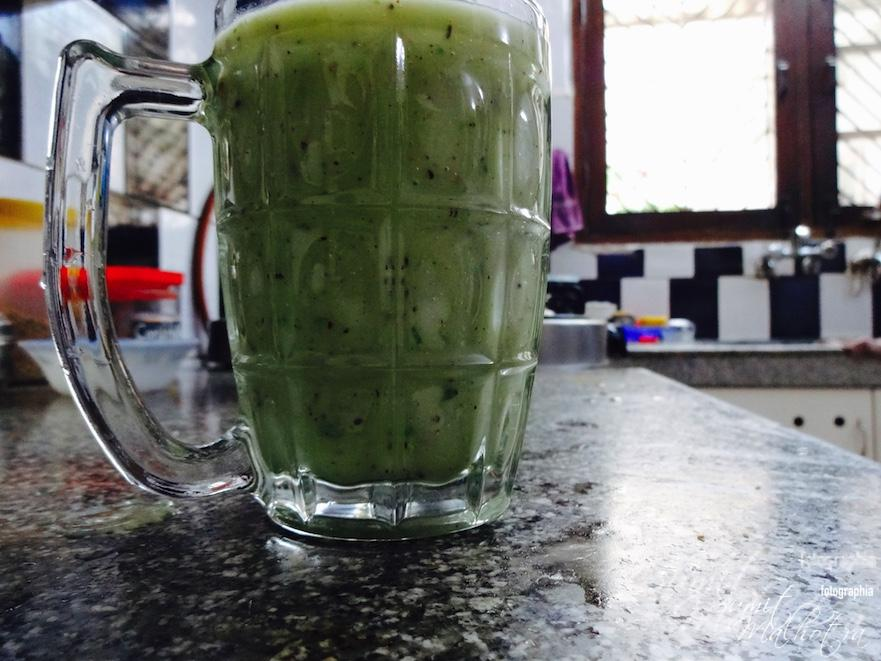 Blitz into a delicious Kiwi Cucumber Smoothie