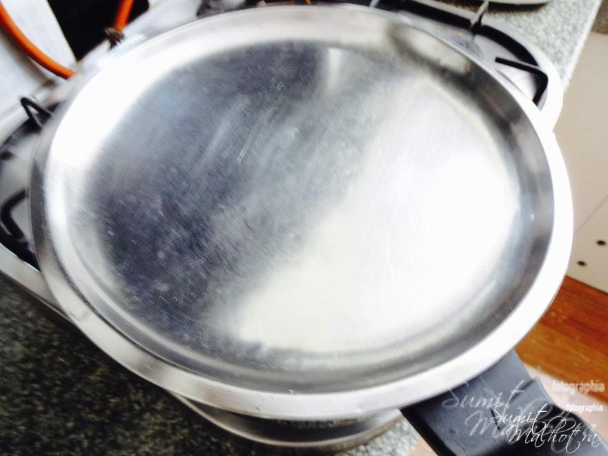 Cover with a lid and let it come to a boil