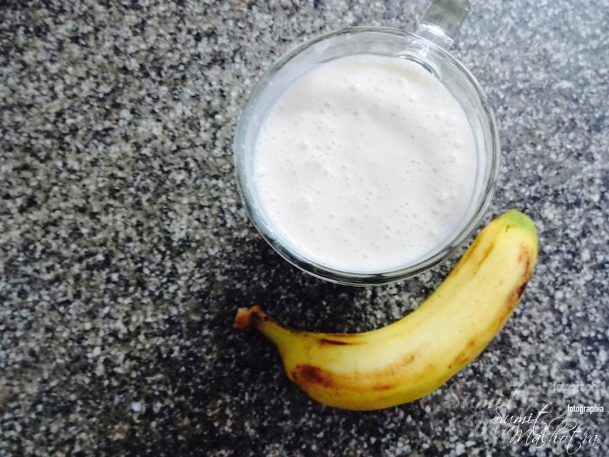 Serve Banana Ginger Smoothie and enjoy the goodness