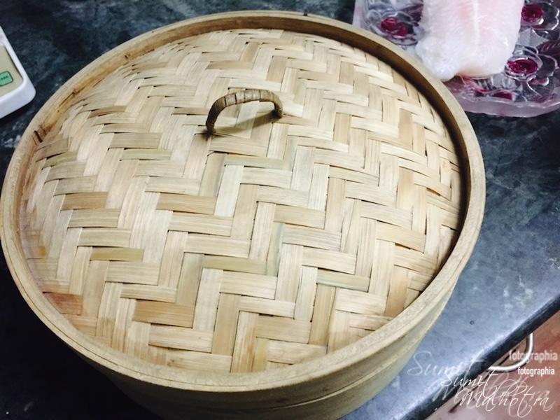 Take a good quality bamboo steamer