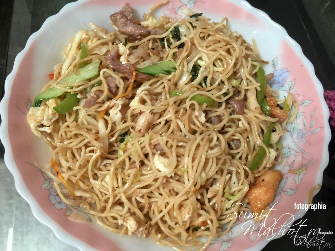 Mixed Meat Chowmein from Suziewong