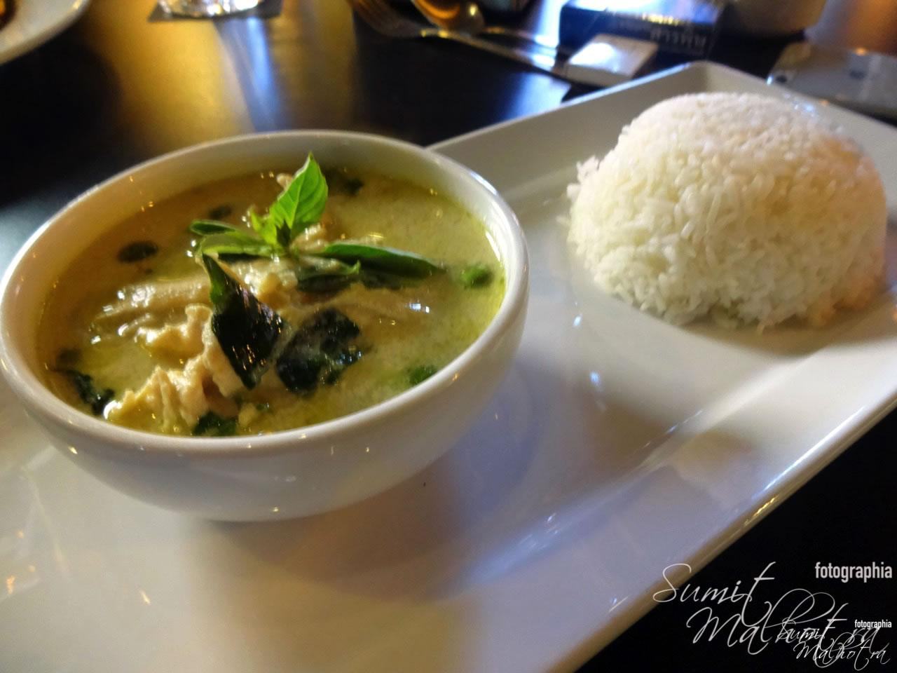 Thai Chicken in Green Curry & Rice - Chiang Mai The Coffee Club