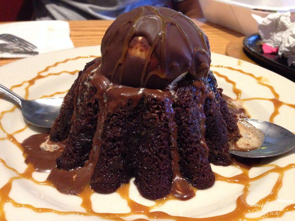Chilis Gurgaon Molten Chocolate Cake