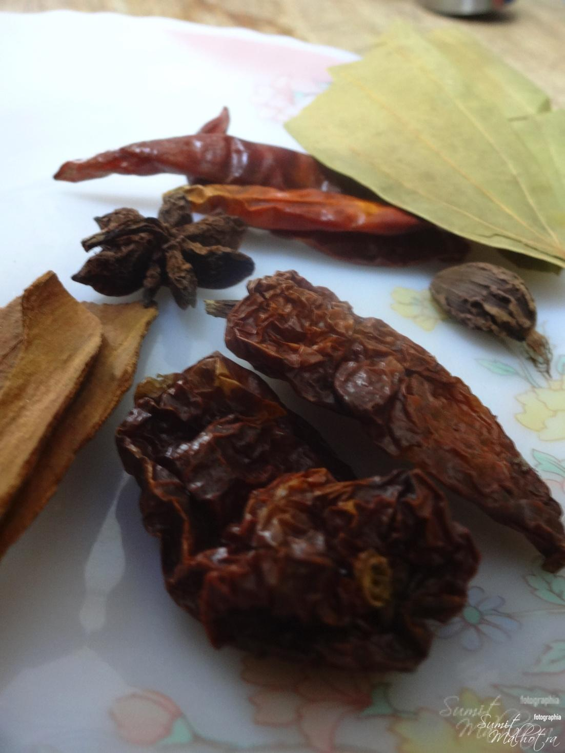 Whole Spices with Ghost Chilli or Bhut Jolokia