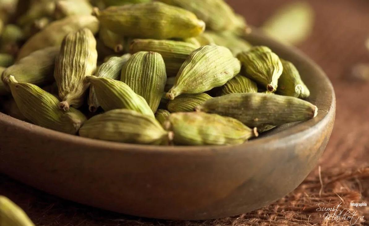 Health Benefits of Cardamom | Super Citrusy & Peppery Spice