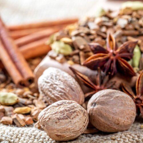 Health Benefits of Nutmeg, Jaiphal ke Fayde