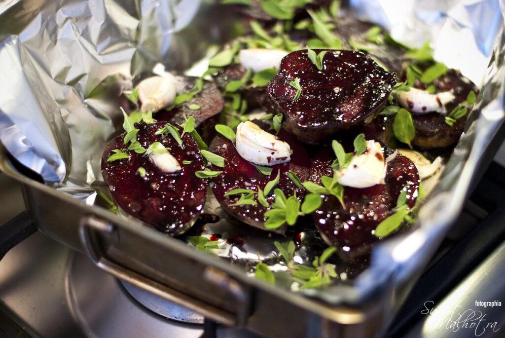 Beetroot salad with balsamic vinegar, garlic and marjoram