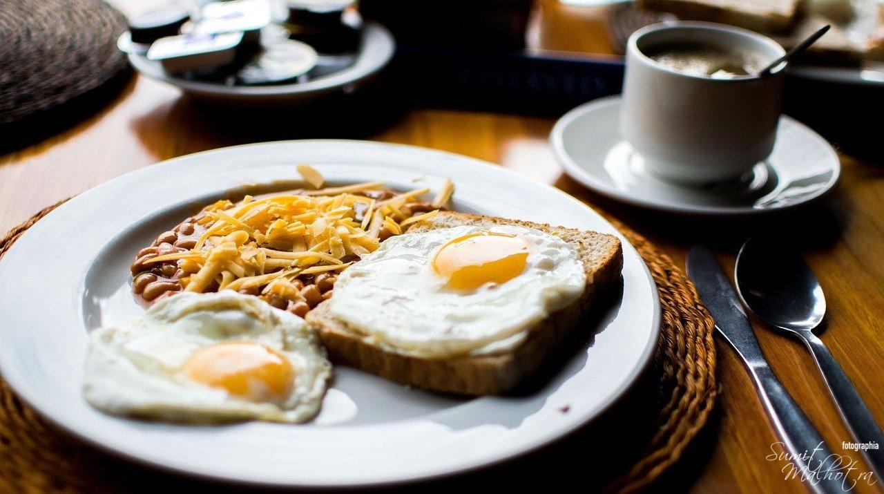 Sunny side up or fried eggs for breakfast